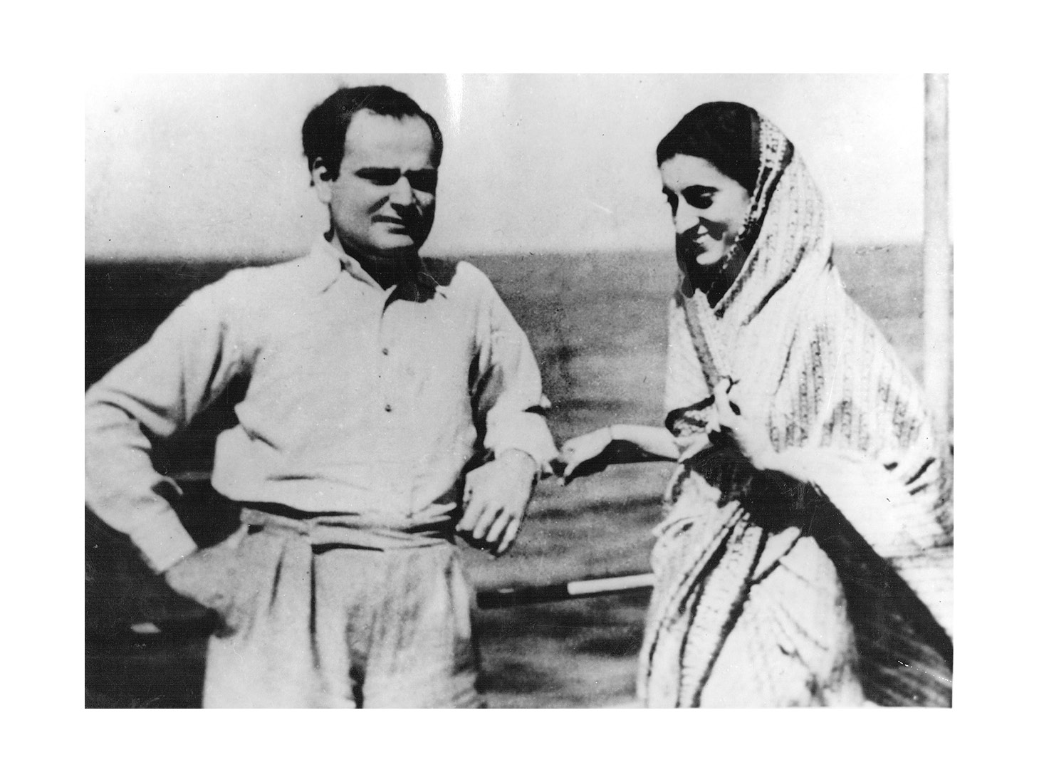great leader indira gandhi Gandhi and indira born in the politically influential nehru dynasty, she grew up in an intensely political atmosphere her grandfather, motilal nehru, was a prominent indian nationalist leader she was brought up in an environment with great exposure to the political figures of the day and was.